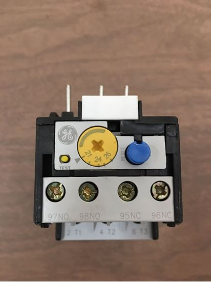 Image of the front of a GE RTNU1 overload relay