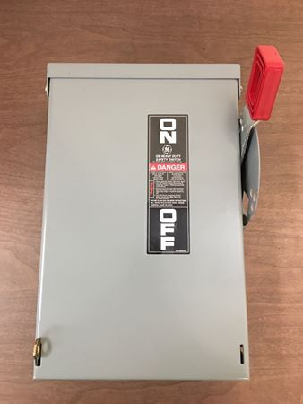 the front of a GE TH3361R safety switch