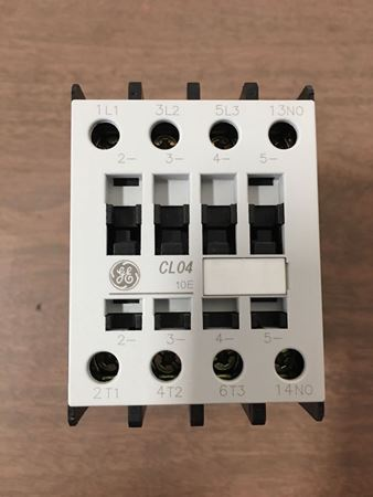 image of the front of a GE CL04A310MJ contactor