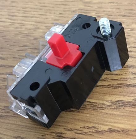 Front view of a GE CR104PXC01 contact block