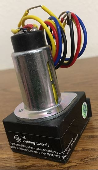 Angle view of a GE RR9 lighting controls relay with isolated pilot