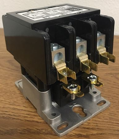 Image of the angle of a CR353FF3BH1 GE definite purpose contactor