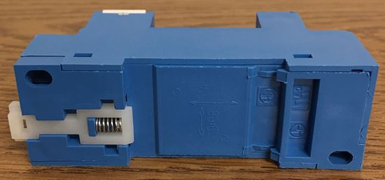 Image of the side of a Finder Relay 96.72 Screw Terminal Socket