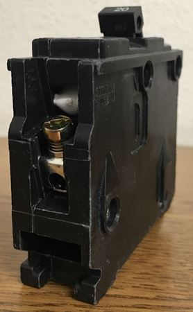 Image of the end of a B120 SIEMENS bolt on circuit breaker