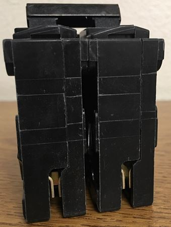Image of the end of a Q220 SIEMENS plug in circuit breaker
