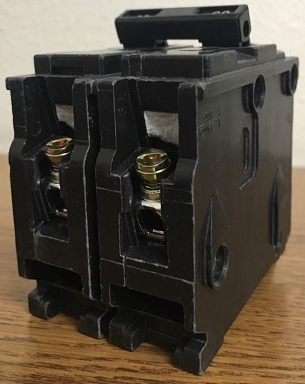 Image of the end of a B260 SIEMENS bolt on circuit breaker